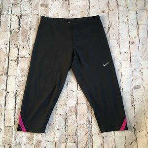 NIKE Dri-Fit Running Compression Capri Pants